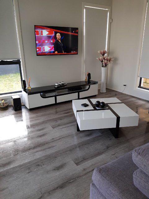 Silver Oak 8253-19 - Tanoa Flooring 12mm Longboard Laminate | Advanced Flooring Services