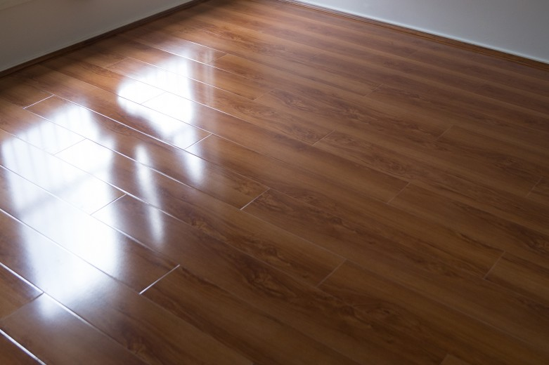 Blue Gum YD230 - Tanoa Flooring 12mm Gloss Laminate | Advanced Flooring Services
